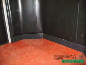 02.Kunststof plank met afgeronde hoek. Ideaal als trap bescherming. Afm. 205x 18mm. Per str.m.