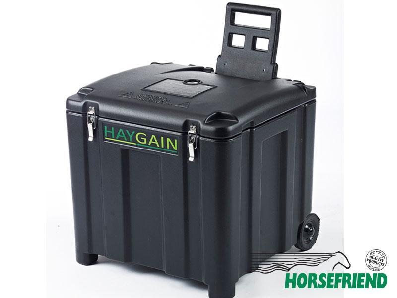 02.HAYGAIN HG-600; geschikt voor een halve baal. Verrijdbaar. Afm.720x690x700(h)mm.