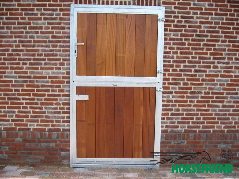 02.Loopdeur tweedelig. Boven-en onderzijde voorzien van hardhout