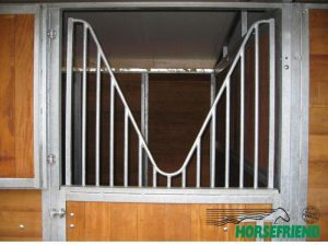 02.Weefrek in deuropening