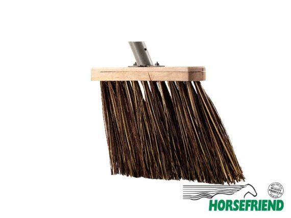11.Bezem voor stal; harde bruine haren(natuur); inclusief steel