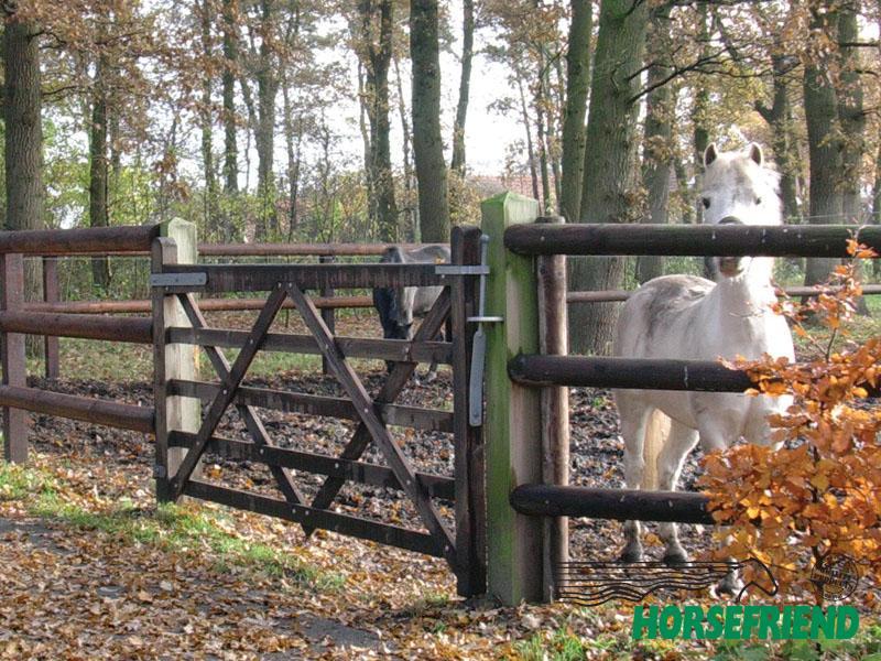 07.Hang-en sluitwerk enkele poort; geschikt tot 240cm hek. Complete set