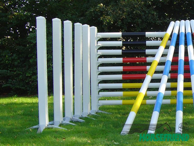 05.Kunststof staander met sleutelgat profiel; Afm. 10x 10cm en 160cm hoog