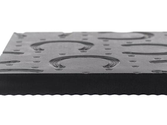 02.Belmondo Basic puzzelmat. Is stroef en reduceert de strooikosten. Optimale rust in de stal.