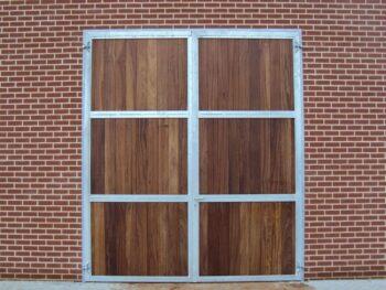 08.Dubbele extra hoge ééndelige deur. Volledig voorzien van hardhouten vulling